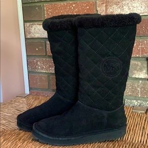 LIKE NEW MICHAEL KORS QUILTED TALL BOOTS